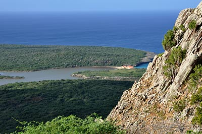 Boka Slagbaai as seen from the Subi Brandaris hiking trail on Bonaire; image by Elly Albers.