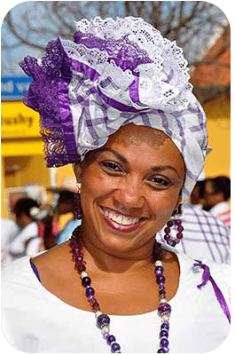 Dia di Rincon finds many ladies dressed in folkloric costumes.